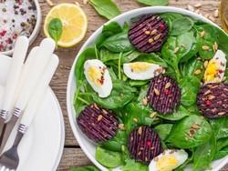 Салат из запеченной свеклы и яиц (рецепт)