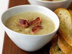 Вкусный и ароматный картофельный суп с беконом (рецепт)