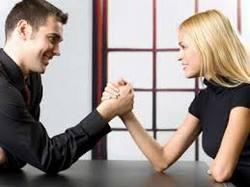Что делать, если в семье успешнее женщина: как спасти брак